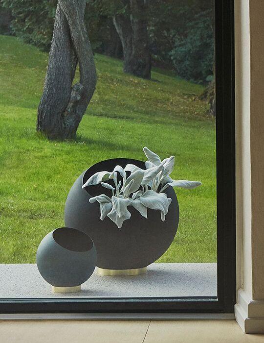 AYTM Globe Plantpot